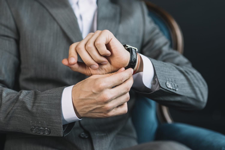 時計とスーツ
