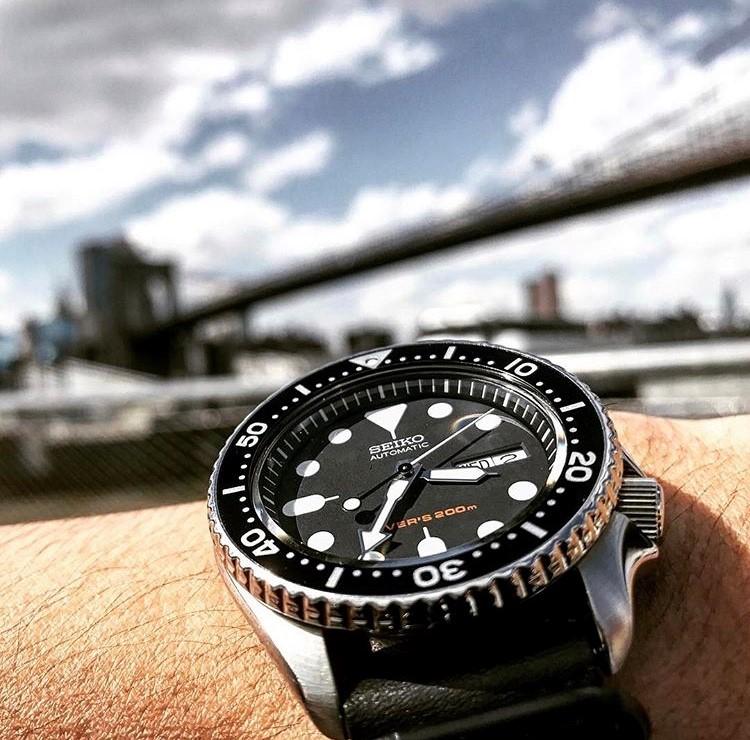 SKX007とニューヨークのブルックリン橋